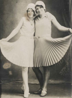 How to Make Pleated Skirts and Dresses